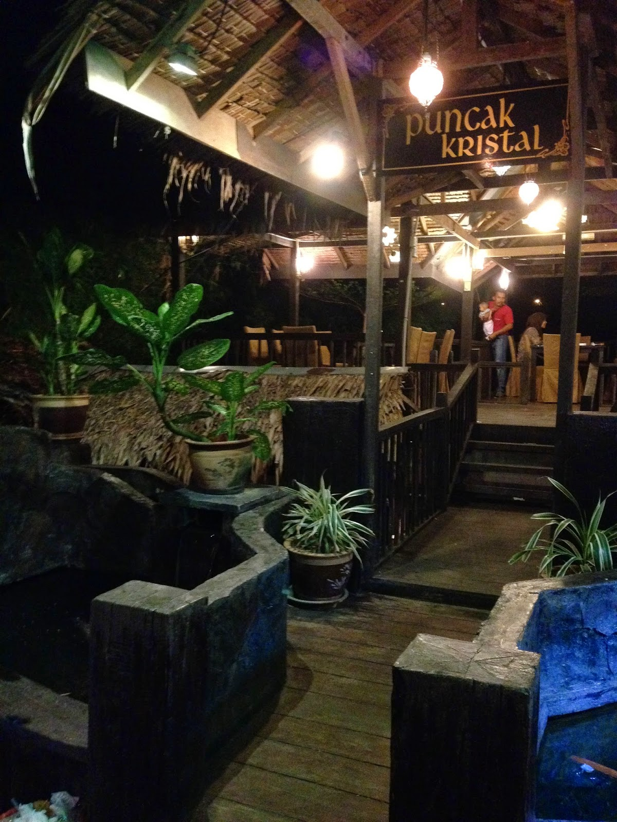 Puncak Mutiara Cafe seating area