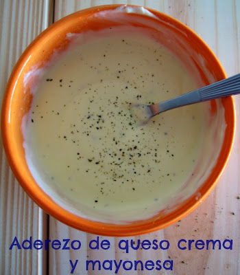 http://cocinandolosdomingos.blogspot.com.ar/2014/01/aderezo-para-ensaladas-de-queso-crema-y.html