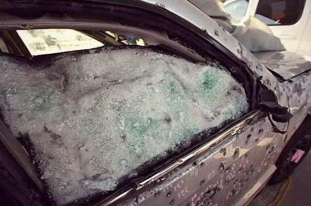 Jeep blindado resiste más de 350 balazos y varias granadas.