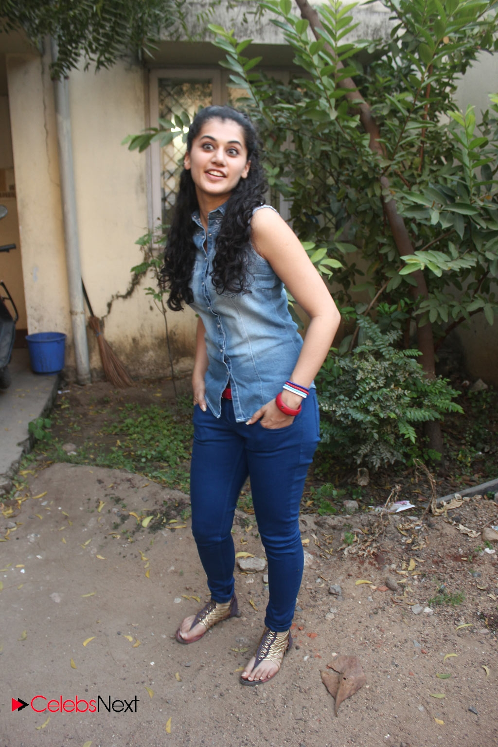 Tapsee Pannu Photos In Skinny Jeans At Maranthen Mannithen
