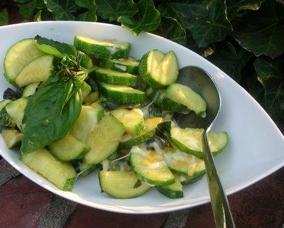 Easy Cheesy Zucchini @ AVeggieVenture.com. Low Carb. Weight Watchers PointsPlus 2. Kid friendly!