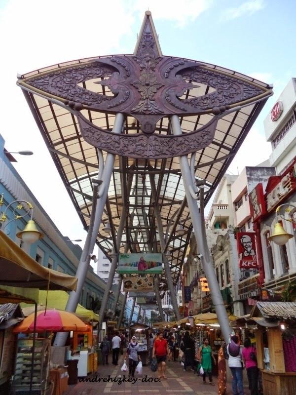 kios-kios di dekat central market