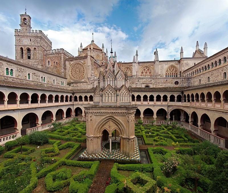 Gabinete de las artes arquitectura monacal el monasterio for Arquitectura mudejar