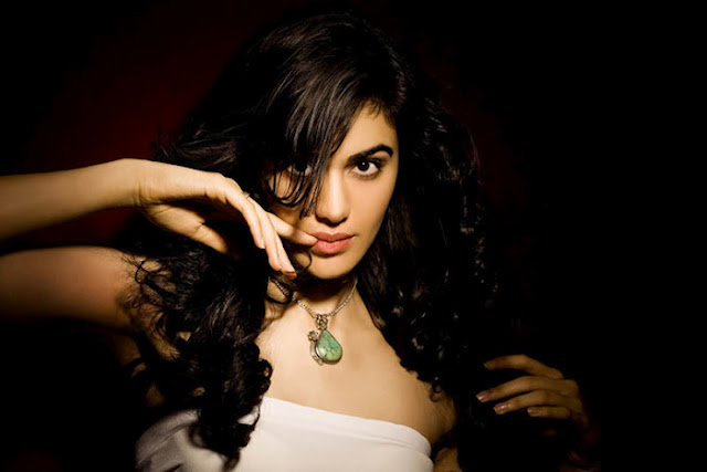 Adah+Sharma+Latest+Spicy+Photoshoot+Gallery+%2816%29
