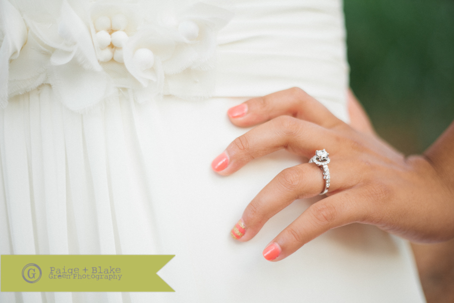 Wedding nails - Pink and Gold - Beautiful ring : Photo by Paige and Blake Green