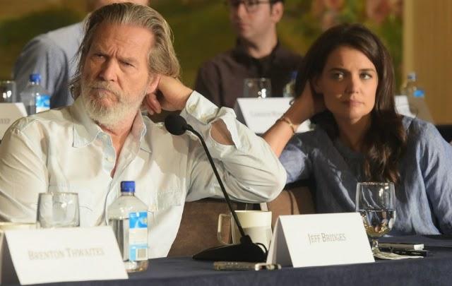 Jeff Bridges y Katie Holmes están aburridos