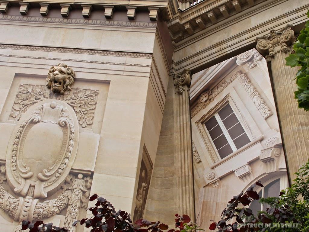 Fond d'écran #1 de JUIN 2014, avec et sans le calendrier du mois - Grand Palais, trompe-l'oeil de Pierre Delavie (photo mai 2014)