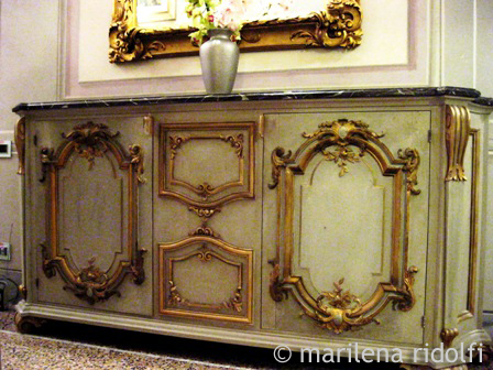 Decorazioni e restauro decorazioni mobili for Decorazioni adesive per mobili