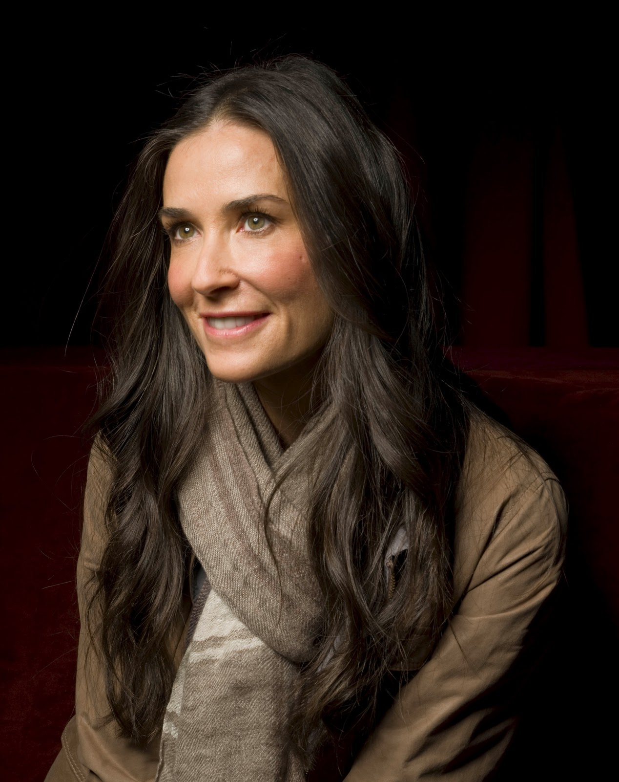http://4.bp.blogspot.com/-0l4p3d1YNQg/ToQqm8fuSUI/AAAAAAAAAlk/FODWUg52Jmk/s1600/Demi-Moore-pics-photos-images-actress-hairstyle-movies-songs+1.jpg