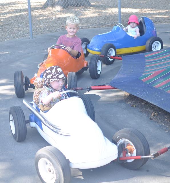 kiddie car ride