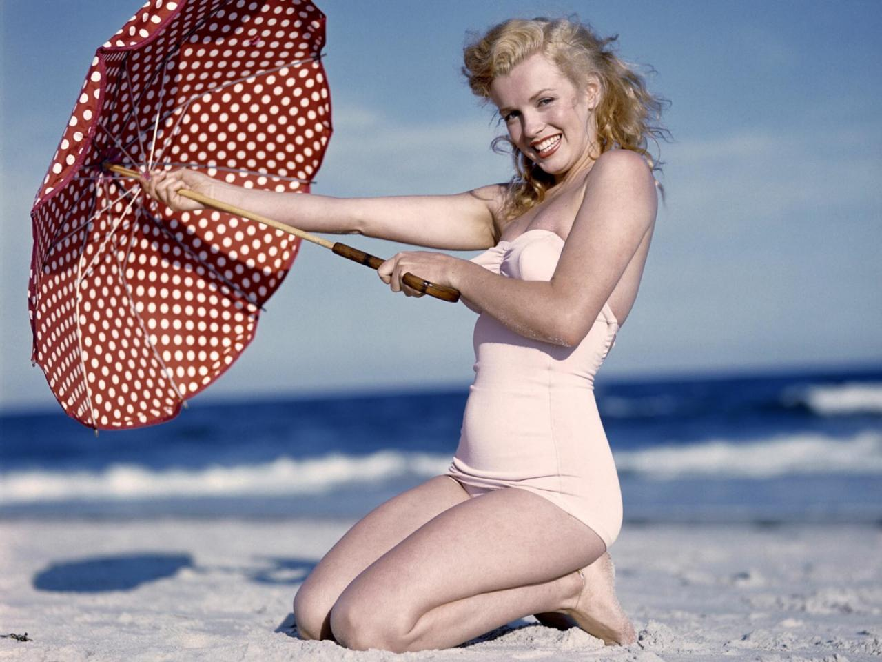 http://4.bp.blogspot.com/-0lF30e1sml0/UB-R7F6IszI/AAAAAAAAEN8/YWQHKoaSJuA/s1600/Marilyn_Monroe.jpg