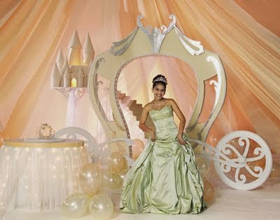 Cinderella inspired wedding decoration theme ideas lovely be sure in having lovingly concept of cinderella wedding theme cinderella bridal party cinderella wedding decoration ideas junglespirit Image collections