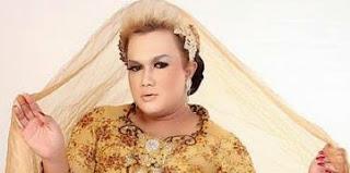 Kumpulan Gambar Lucu Banci Paling Kocak dan Lebay Gokil, tentang Make-up