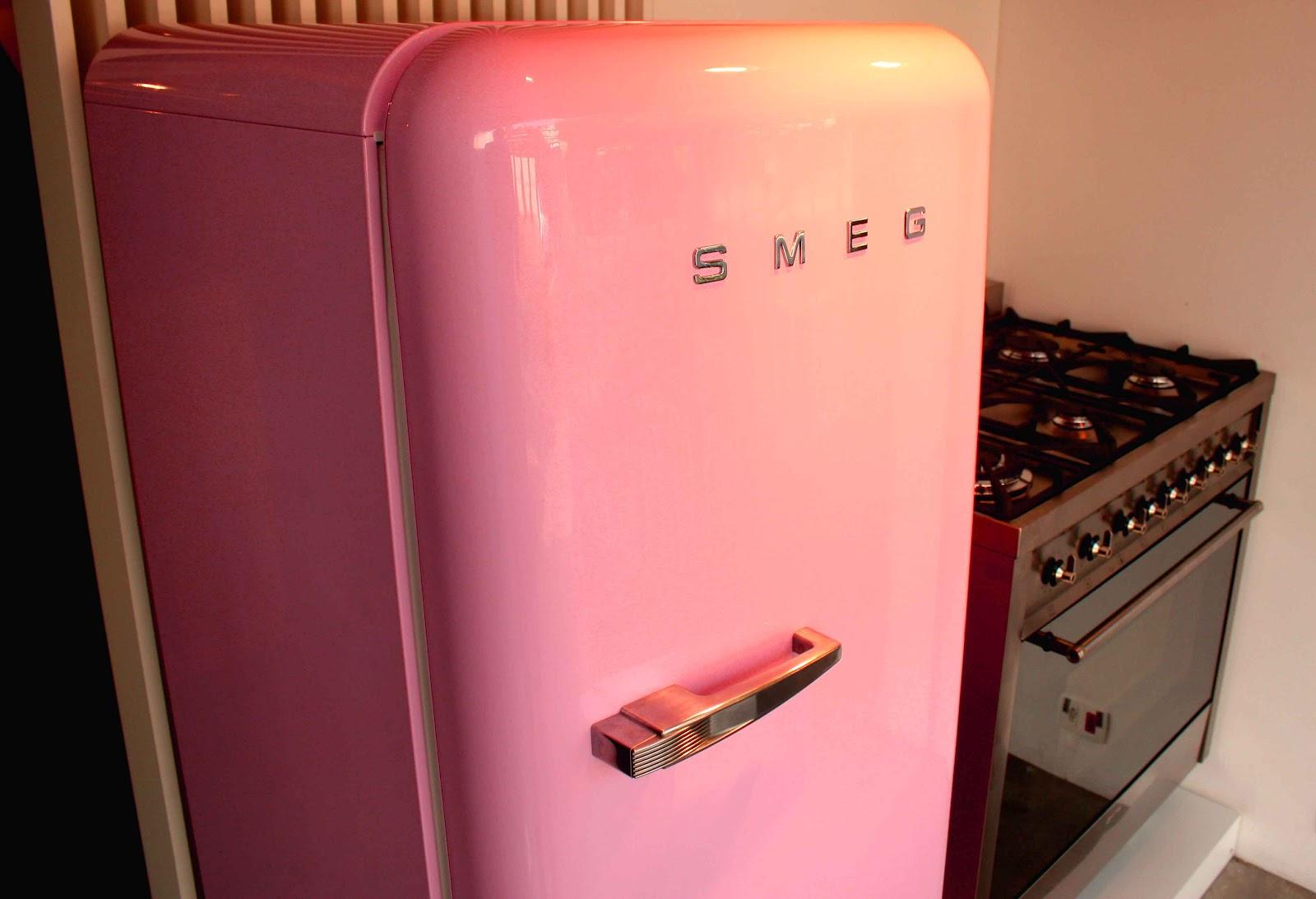 Smeg Kühlschrank Pink : Smeg rosa smeg fab lro standk hlschrank cadillac pink rosa k