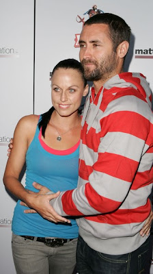 Amanda Beard With Her Husband Sacha Brown In These New Photoes 2013