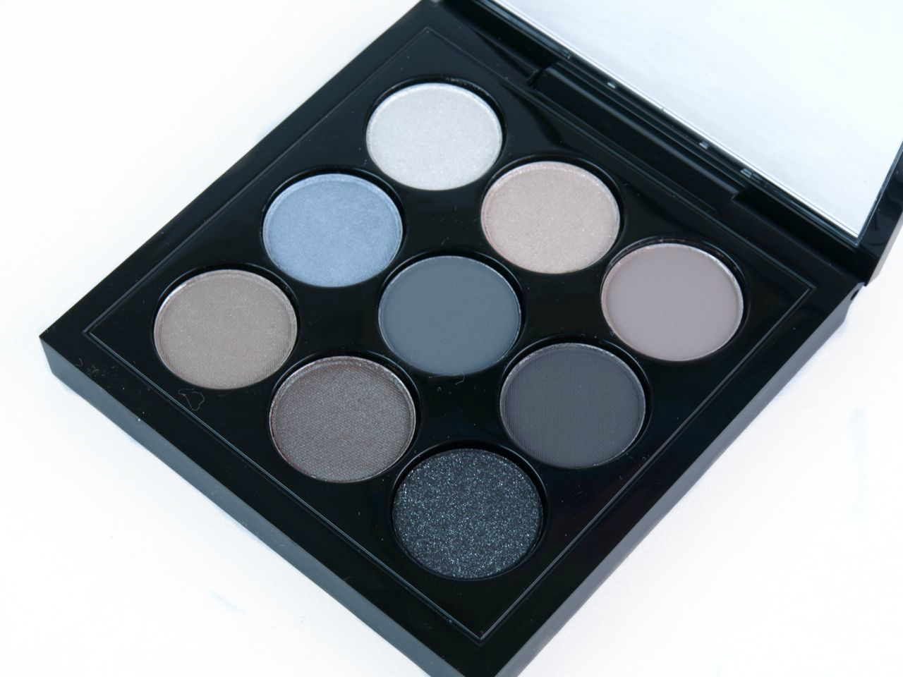 "MAC Eyes On MAC Eye Shadow X9 Palette in ""Navy Times Nine"": Review and Swatches"