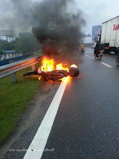 Gambar Motor Terbakar Atas Jambatan Pulau Pinang.