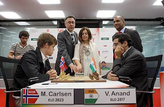 Echecs à Bilbao : Magnus Carlsen (2823) 1/2 Viswanathan Anand (2817) lors de la ronde 6 © site officiel
