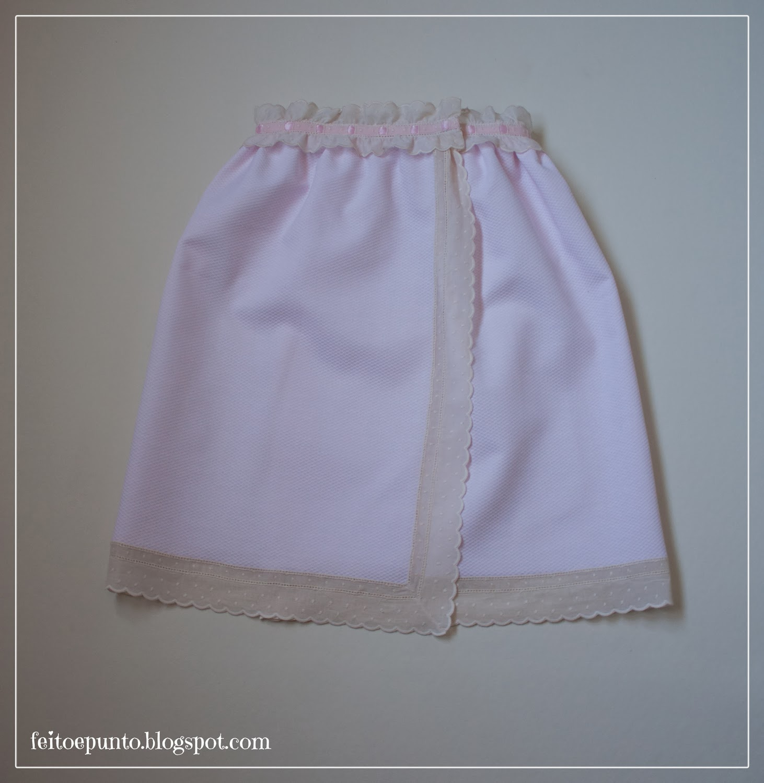 Faldón de cintura con puntillas