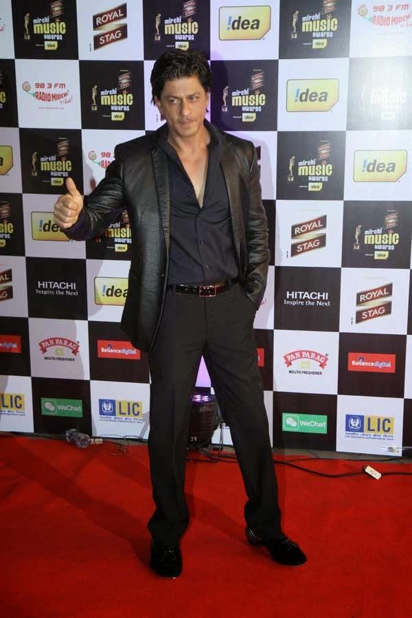 Shahrukh Khan at 6th Mirchi Music Awards 2014