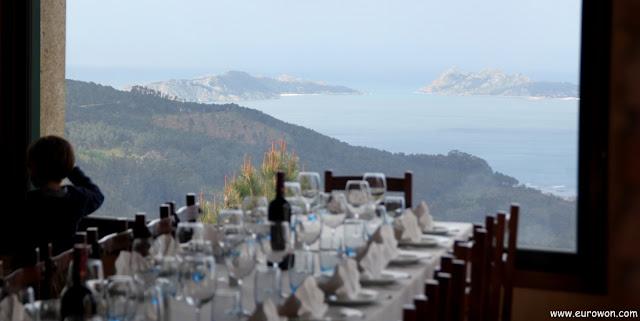 Vistas de la ría de Vigo desde el restaurante Mirador do Cepudo