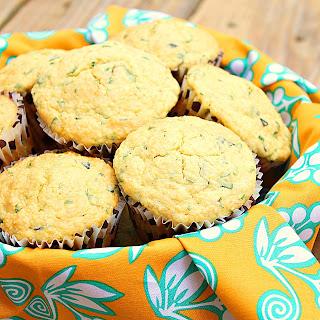 Savory polenta herbed muffins | Roxanashomebaking.com