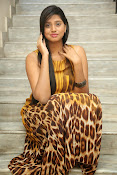 Actress Shalini latest glam pics-thumbnail-6