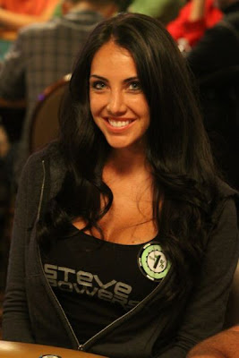 sexy poker women 640 01 [Gambar] Pemain Poker Wanita Yang Cantik Dan Seksi