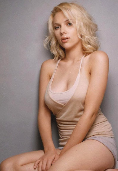Scarlett Johansson. Click here for more Hollywood actherr
