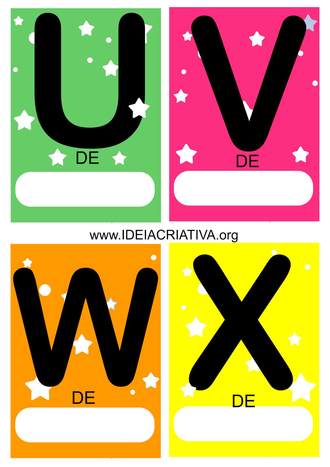 Cartões coloridos com letras do alfabeto para escrita de palavras