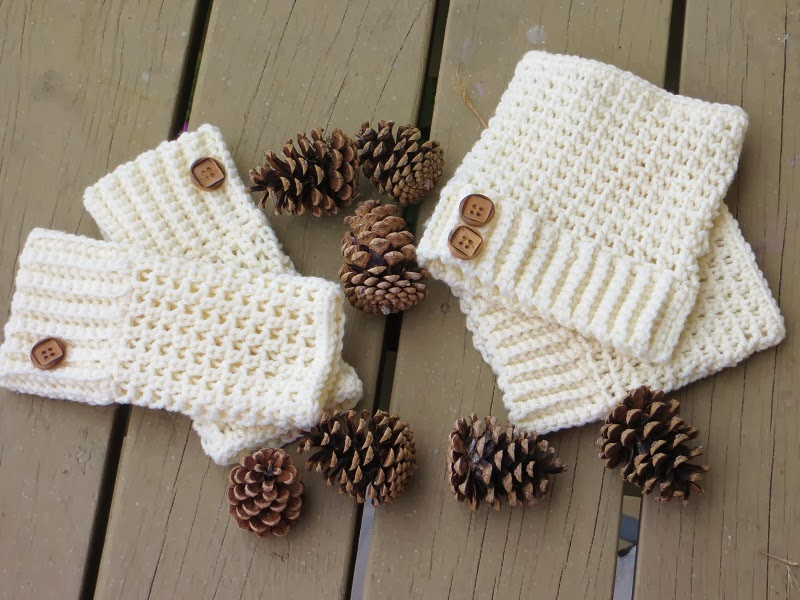 Free Crochet Patterns For Boot Cuffs With Buttons : Crochet Dreamz: Brooklyn Fingerless Mitts or Wrist Warmers ...
