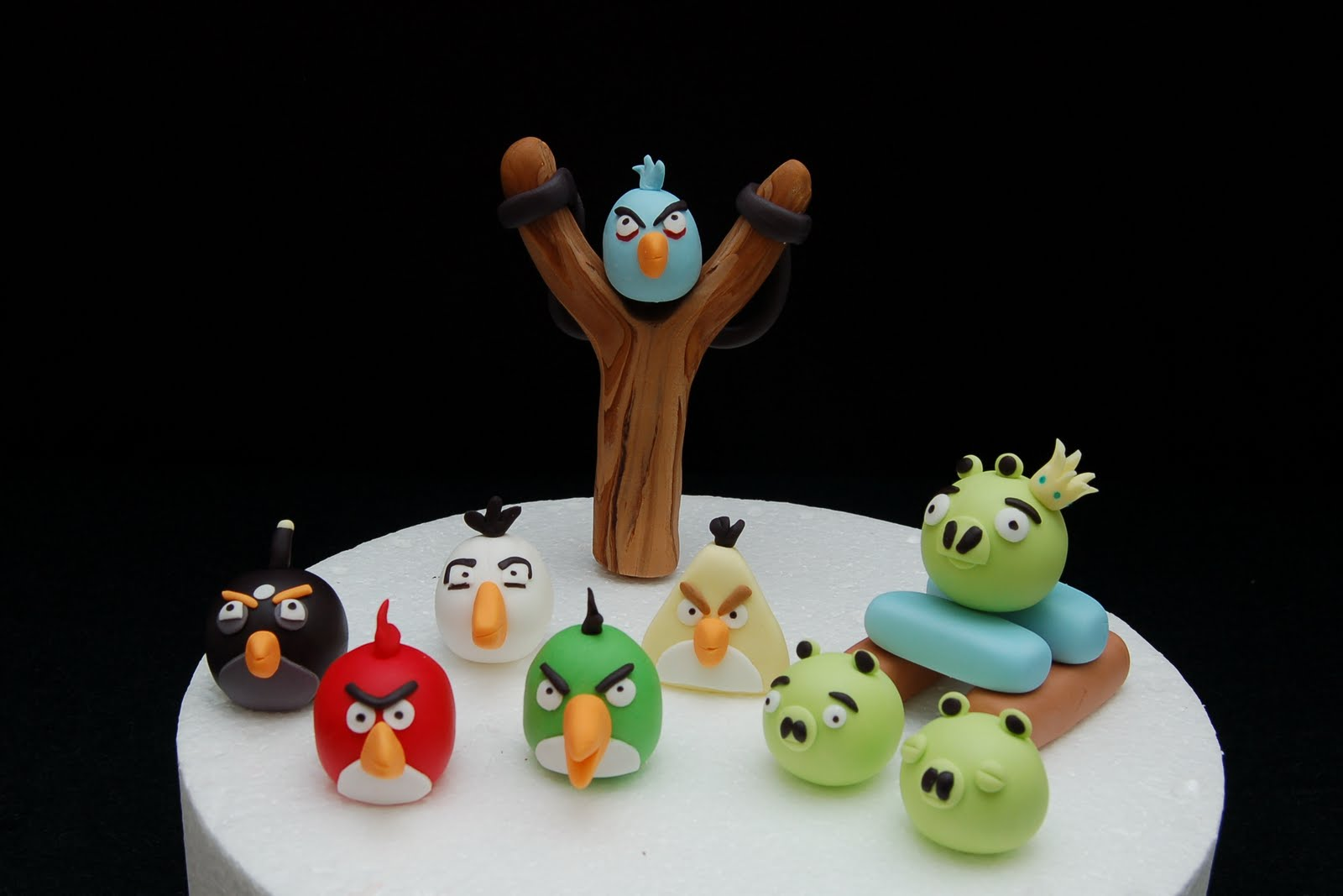 My little cake room angry birds cake toppers for Angry birds cake decoration