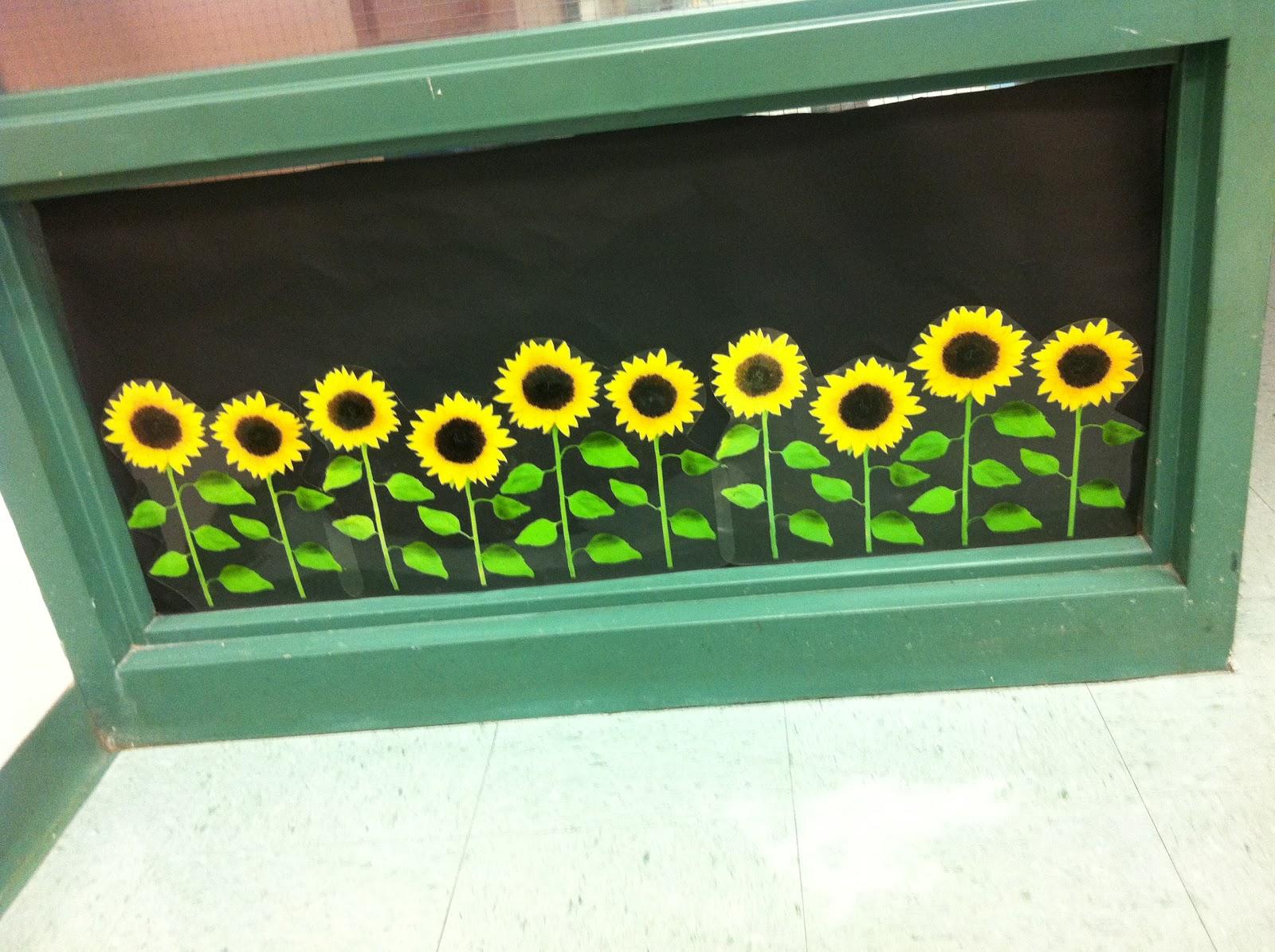 Classroom window decoration - Classroom Window Decorations On Pinterest Preschool Decorations