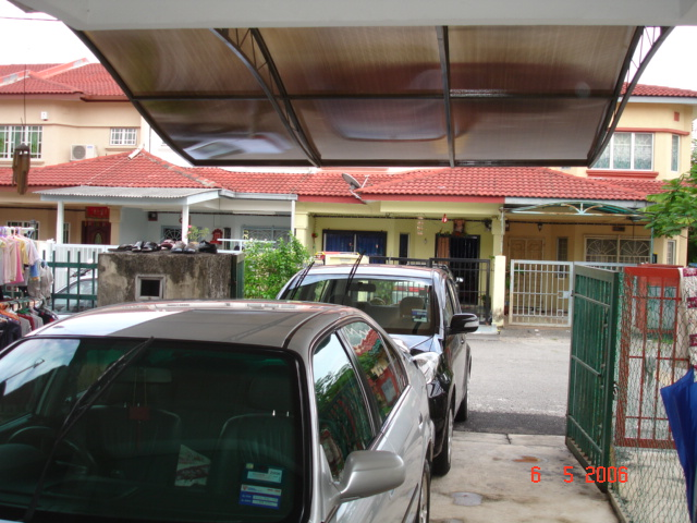 Car Porch Roof http://samadikaca.blogspot.com/2011/06/house-for-sale-taman-sentosa-fasa.html