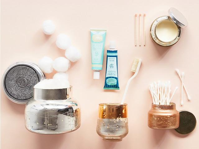 Recycling ist angesagt: gekaufte Kerzengläser bitte im Bad, Küche oder Büro wiederverwenden