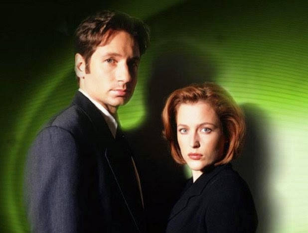 One of Rabbit Ear Reviews' favorite classics? The X-Files! A great summer binge-watch.