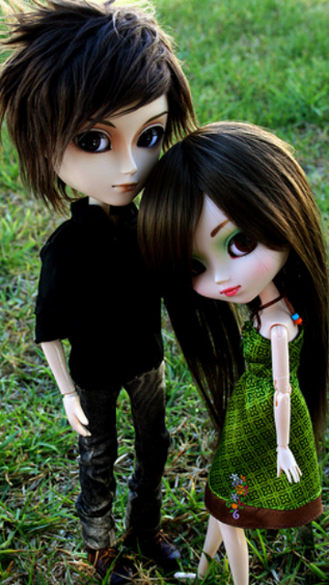 Cute Barbie Dolls Couple Picture