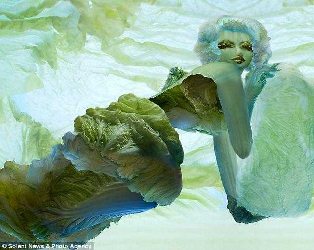فنانة صينية تبدع في إستخدام  ورق الملفوف LEAF+ART+2