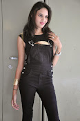 Angel Singh latest glam pics-thumbnail-8