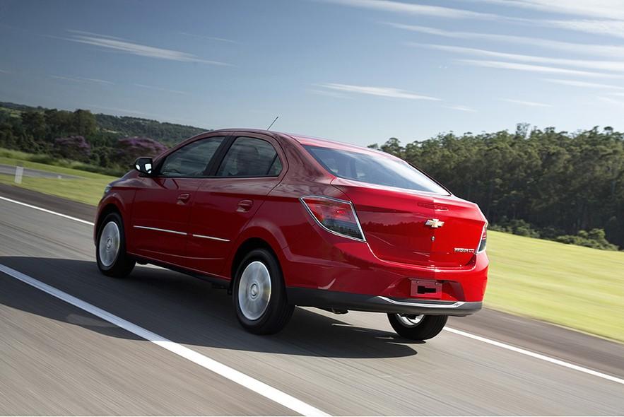 novo Chevrolet Prisma 2014 lado 1