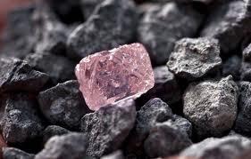 diamante en bruto rosa