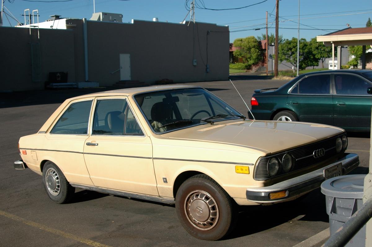 http://4.bp.blogspot.com/-0nIFnRs-xag/T94GJ0uVgyI/AAAAAAAALng/6jwgmIzGy8A/s1600/1979-Audi-Fox.+-+1.jpg