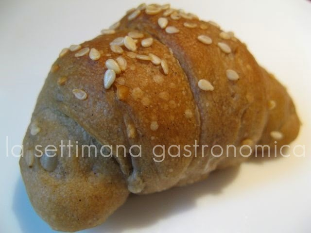 Cornetti di pane nero