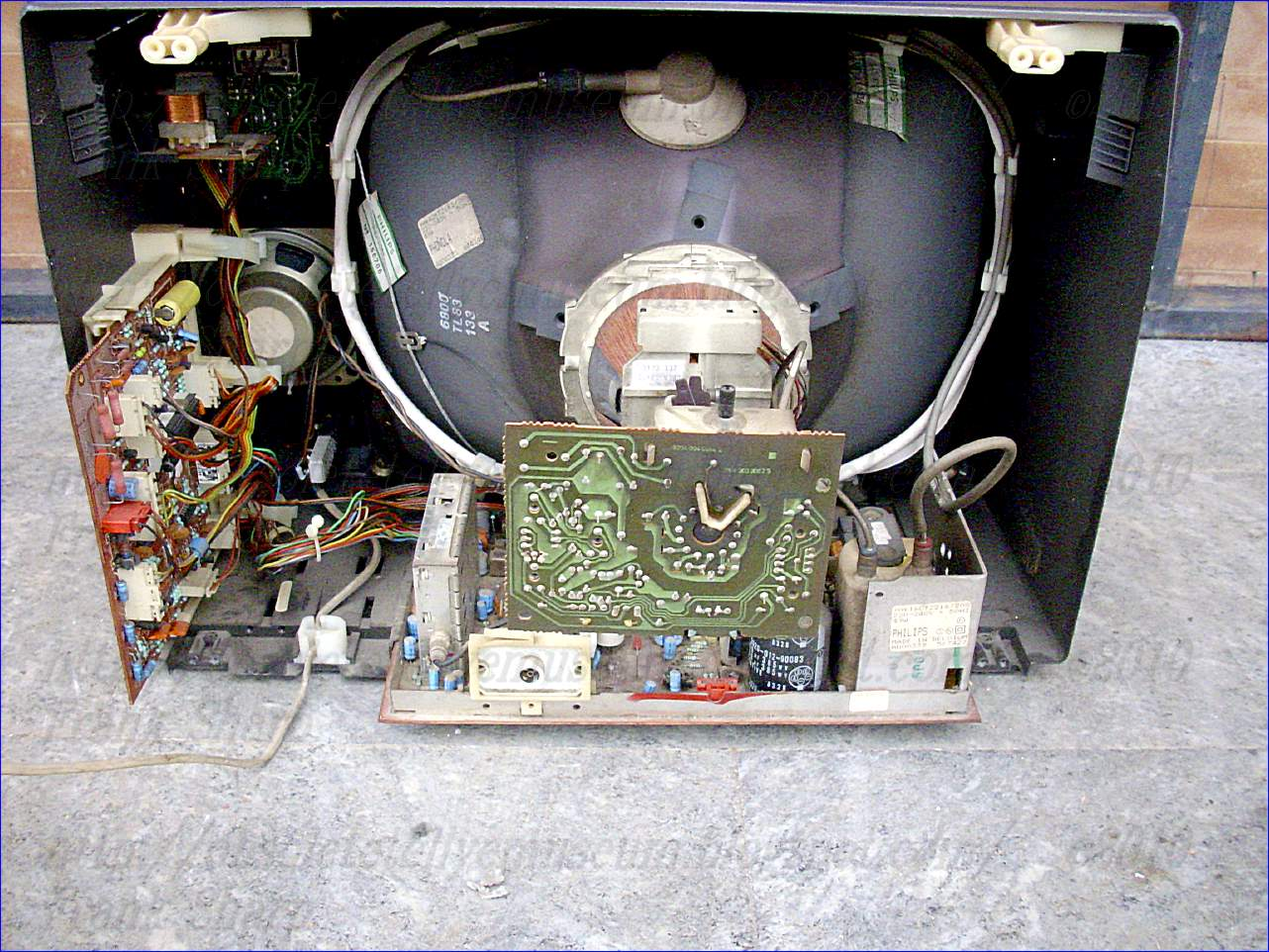 Obsolete Technology Tellye    Phonola  Philips  16ct2216  20s Luini Chassis Ctx Sam Internal View