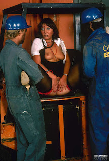 青少年的裸体女孩 - rs-189958-725994.jpg