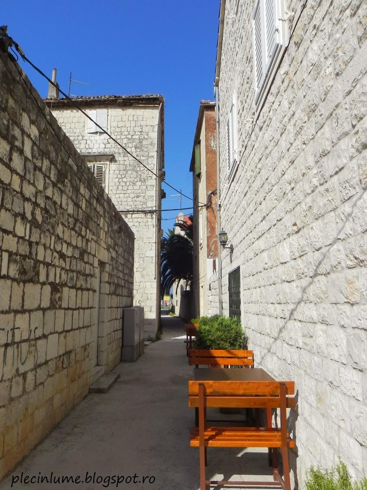 Prin centrul orasului Trogir, Croatia