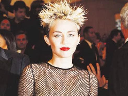 Miley Cyrus buat kejutan