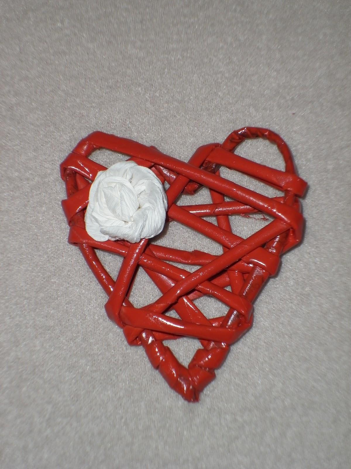 Serce z papierowej wikliny (klik)