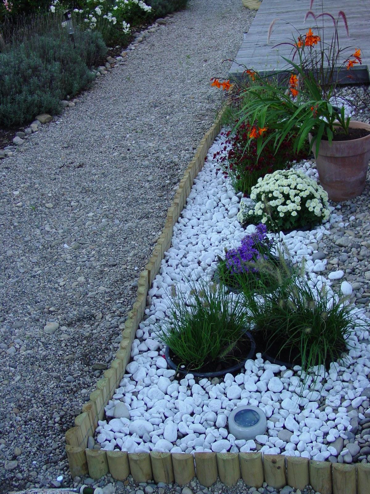 Sassi bianchi da giardino idee per la casa for Sassi bianchi da giardino prezzo