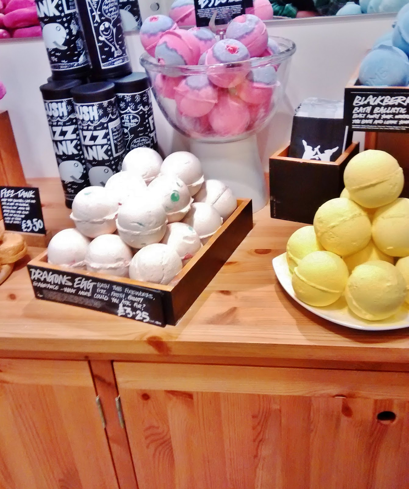 LUSH, bath bombs